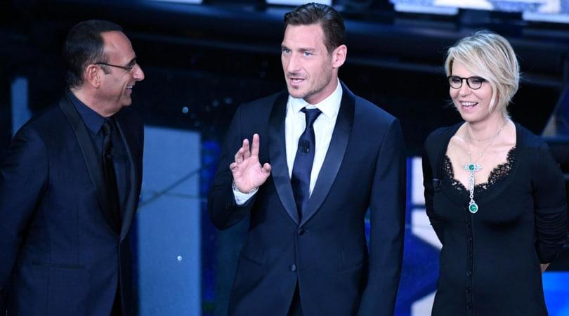 """Sanremo, il """"Piccione"""" di Totti fa discutere i social"""