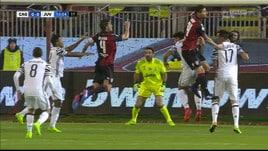 Spinta di Alex Sandro a Dessena: il Cagliari chiede un rigore