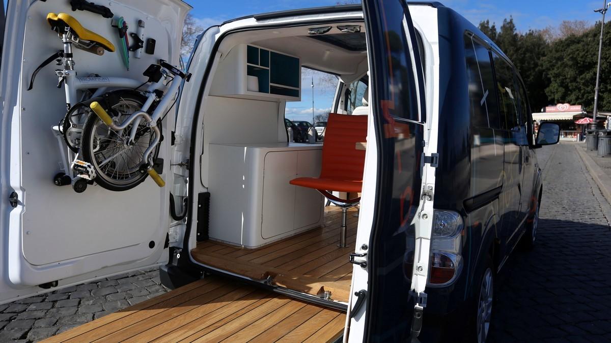 Nissan e-NV200 ufficio mobile: foto