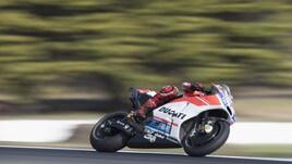 MotoGp Ducati, Lorenzo: «Passi avanti per capire la moto»