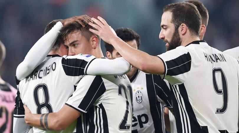 Serie A, Juventus-Palermo 4-1: Marchisio, Dybala e Higuain in gol, Roma a -10