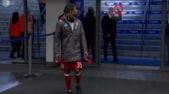 Bayern Monaco, Ancelotti fa il medio ai tifosi dell'Hertha: «Mi hanno sputato»