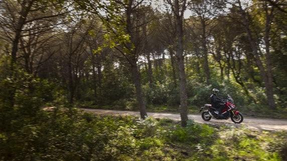 Honda X-ADV, il test: foto