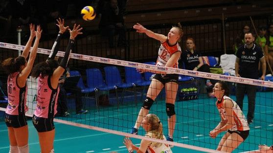 Volley: Cev Femminile,  Pomì e UYBA  a due set dai quarti