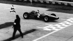 Surtees, leggenda a tutto tondo: campione a due e quattro ruote