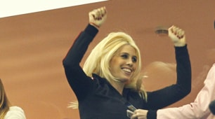 Icardi torna in campo, Wanda Nara scatenata in tribuna