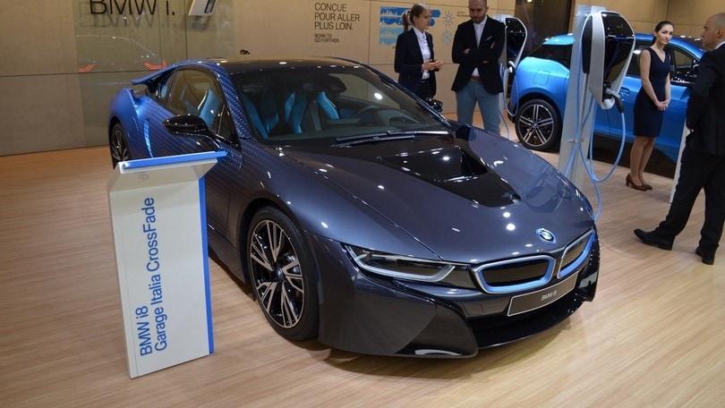 BMW i8 CrossFade, l'arte sposa la tecnologia