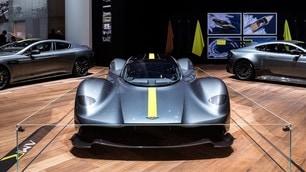 Aston Martin Valkyrie: foto