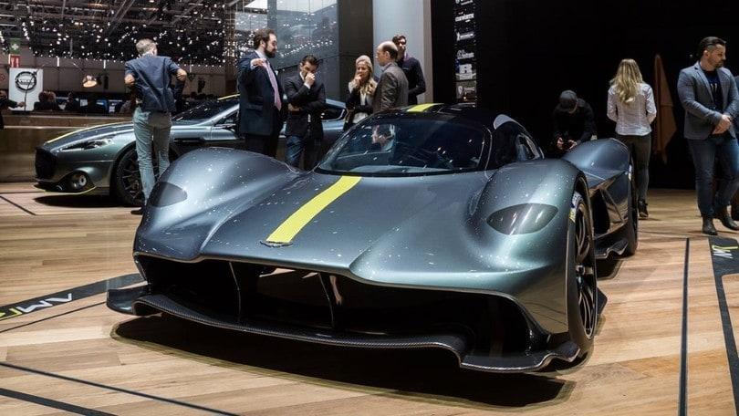 Aston Martin Valkyrie, va a caccia di Formula 1