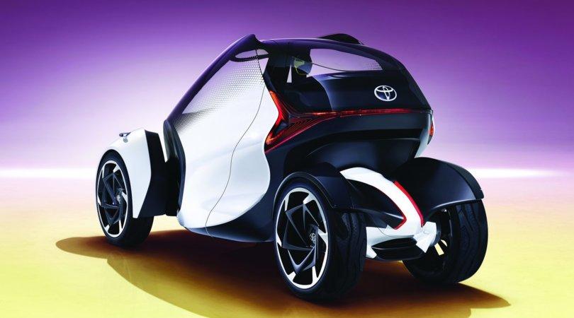 "Toyota i-Tril concept, quattro ruote ""messe in piega"""