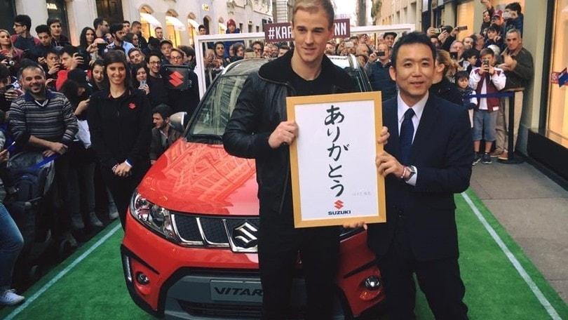 Joe Hart sale a bordo della Suzuki Vitara S