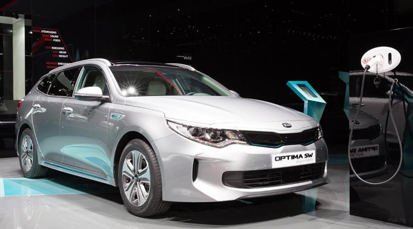 kia optima sw hybrid anche la station diventa green corriere dello sport. Black Bedroom Furniture Sets. Home Design Ideas