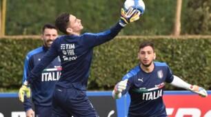 """Italia, Buffon allena i suoi """"eredi"""" Donnarumma e Meret"""