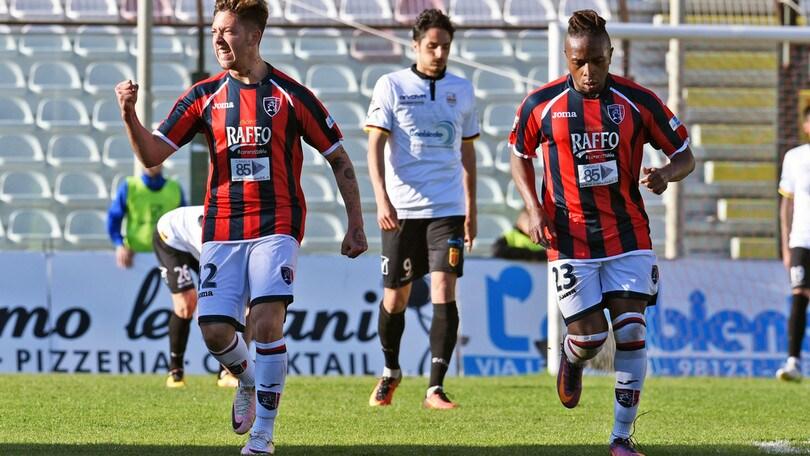 Lega Pro Taranto, Zelatore: «Offesi i veri tifosi»