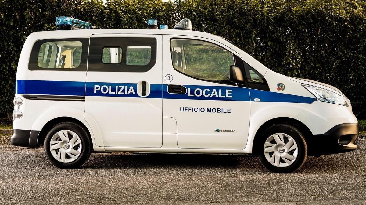 Nissan ufficio mobile polizia: foto