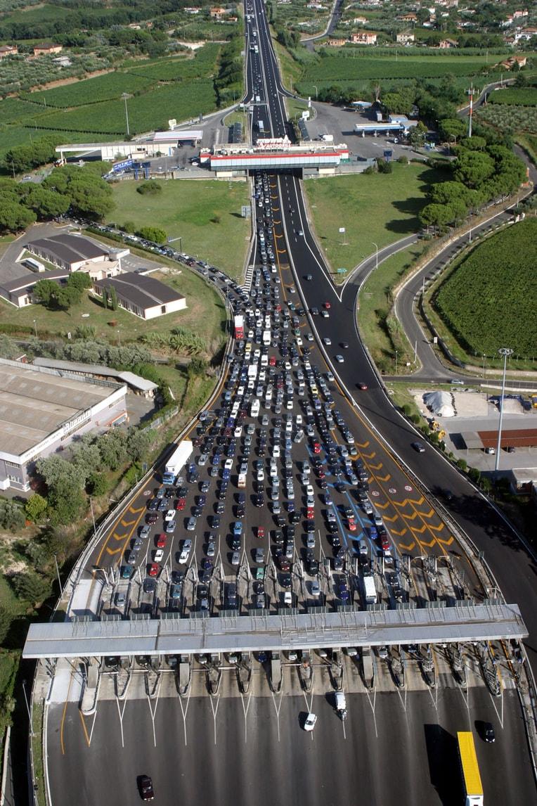 Germania, stop al pedaggio autostradale per gli stranieri