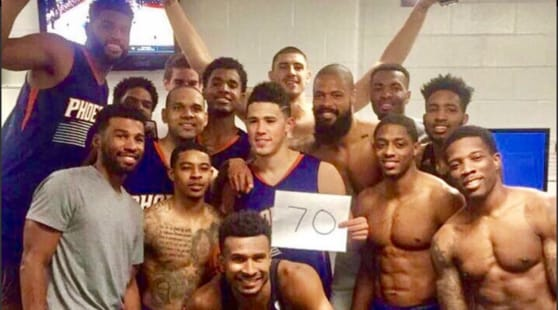 Booker entra nella storia, 20 anni e 70 punti!