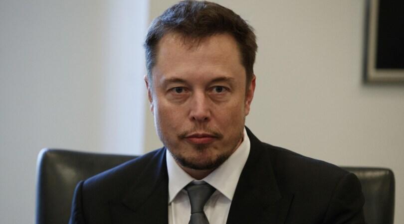 Musk, dalle auto ai chip neurali