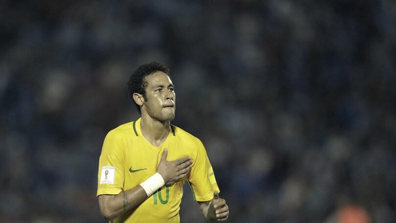 Calciomercato, follia Mou per Neymar: i bookie danno l'ok allo United