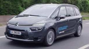 Peugeot-Citroen, prima macchina a guida autonoma nel 2020