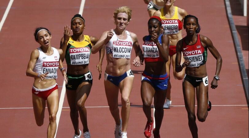Mezza maratona di Praga, la Jepkosgei batte tre record mondiali