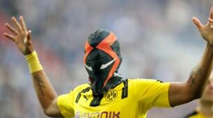 Borussia Dortmund: la nuova maschera di Aubameyang è spaventosa