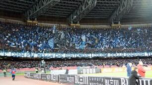 Lo spettacolo del San Paolo per Napoli-Juventus