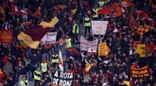 Roma-Lazio, lo spettacolo delle curve per il derby