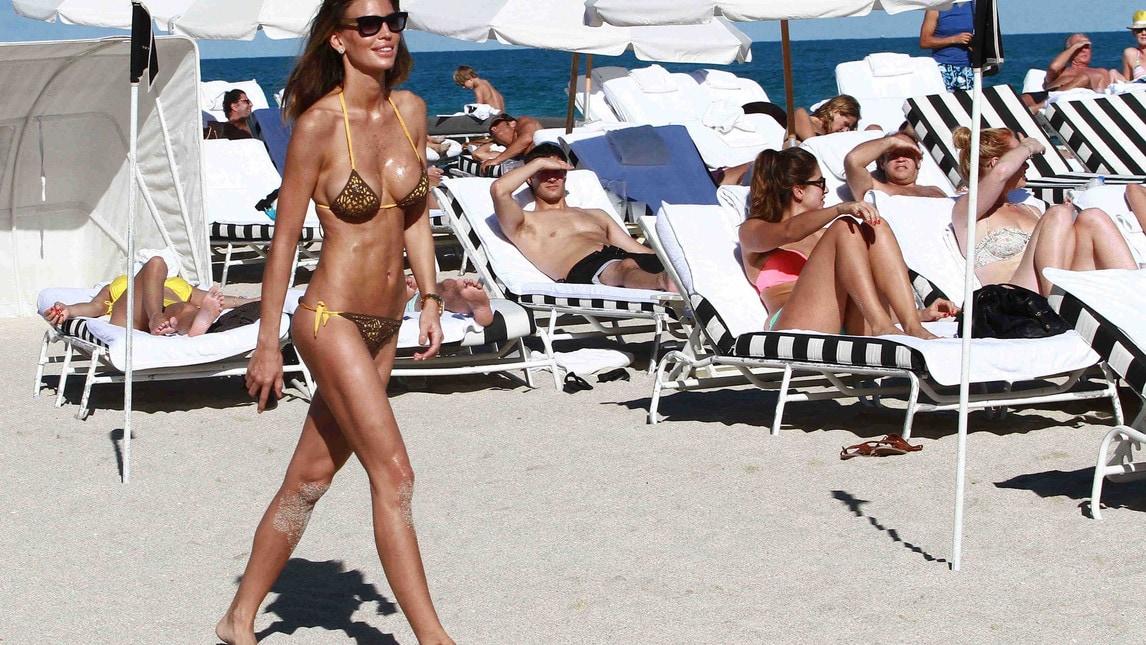 <p>La showgirl paraguaiana, che l&#39;anno scorso fu accostata a Fabio Quagliarella, &egrave; sempre in grande forma: la prova costume superata a pieni voti...</p>