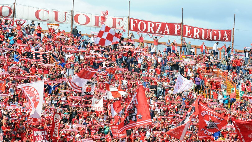 Serie B Avellino, tifosi rapinati: indagati ultras Perugia
