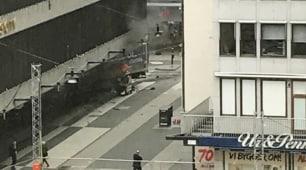 Attentato a Stoccolma: camion sulla folla