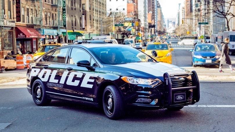 """Ford """"converte"""" all'ibrido anche la polizia americana"""