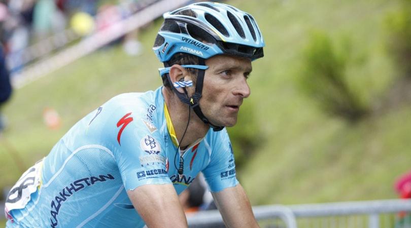 Giro d'Italia, l'Astana: «Senza Aru il capitano sarà Scarponi»