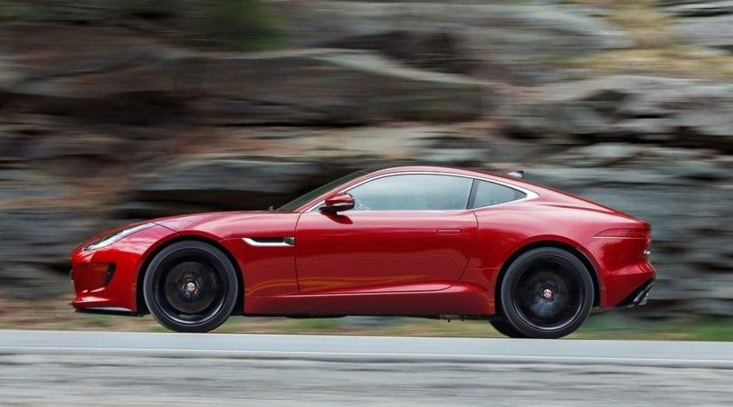 Jaguar F-Type, arriva il 4 cilindri da 300 cv