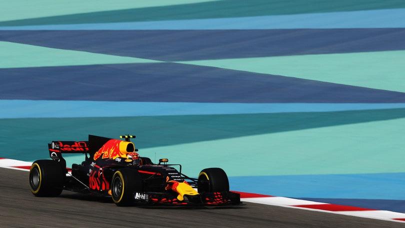 F1 Bahrain, Verstappen vola nelle terze libere