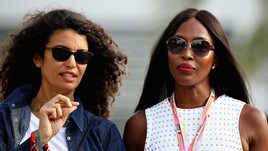 Gp Bahrain, Naomi Campbell porta fortuna alla Ferrari