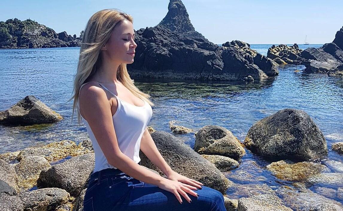 Diletta leotta relax al mare per la signora della serie b for B b budoni al mare
