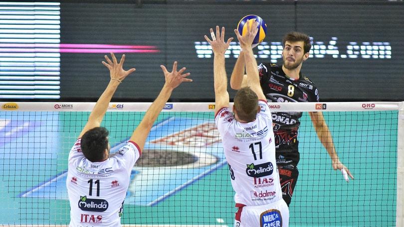 Volley: Superlega, Perugia porta Trento alla quinta partita