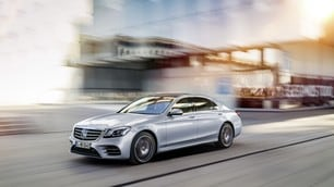 Mercedes Classe S, a Shanghai debutta il restyling