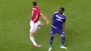 Ibrahimovic, infortunio shock contro l'Anderlecht FOTO