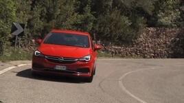 Opel Astra OPC Line: la prova su strada