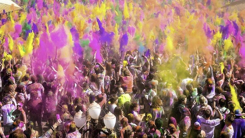 Roma si tinge di mille colori