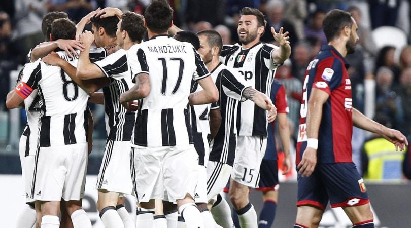 Juventus-Genoa 4-0: Dybala-Mandzukic-Bonucci, +11 sulla Roma