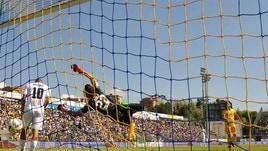 Frosinone-Spezia 2-0: show al Matusa con Dionisi e Ciofani