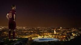25 anni di Totti, scarpini speciali per il derby