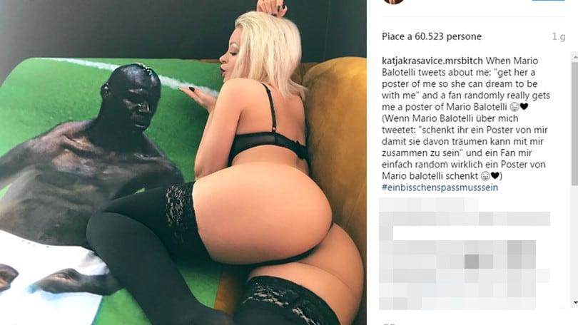 Katja Krasavice, effusioni hot con il poster di Balotelli