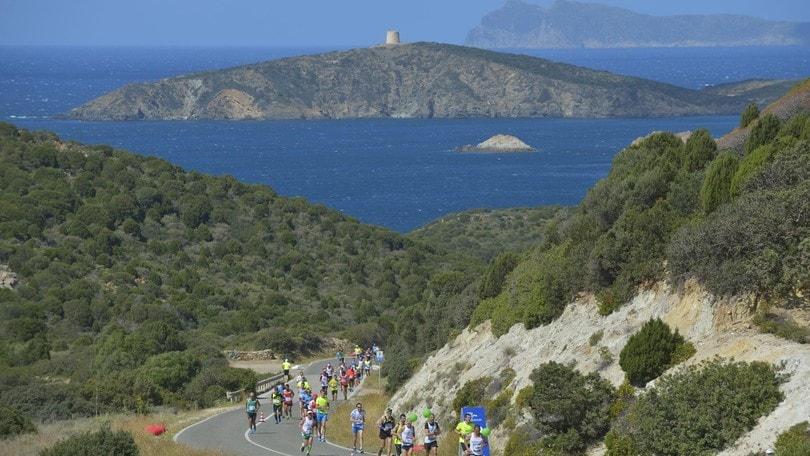 Chia Laguna Half Marathon: dal blu del mare al rosa