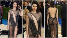 Kendall Jenner esagera: nude look al Met Gala