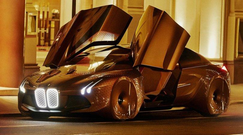 BMW iNext, l'ammiraglia a batteria debutta nel 2021