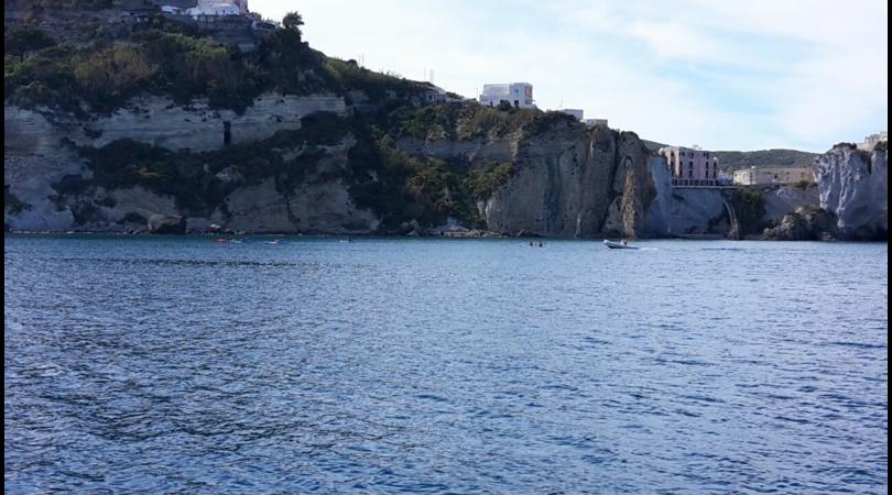 L'isola di Ponza presenta: Erasmus e Springters Program